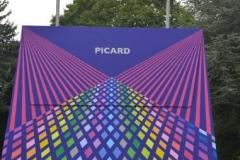 """""""Die größte Handtasche der Welt"""" Picardö. Im firmeneigenen Park platziert"""